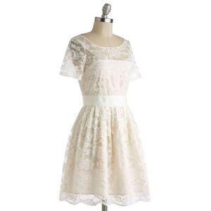 ModCloth BB Dakota ivory lace dress size 6 bridal